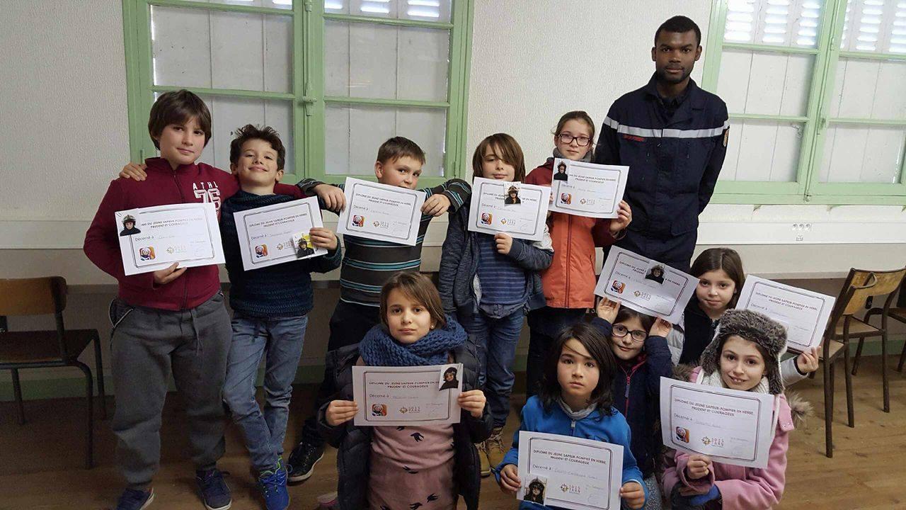 L'apprentissage aux gestes qui sauvent des écoliers du Tarn