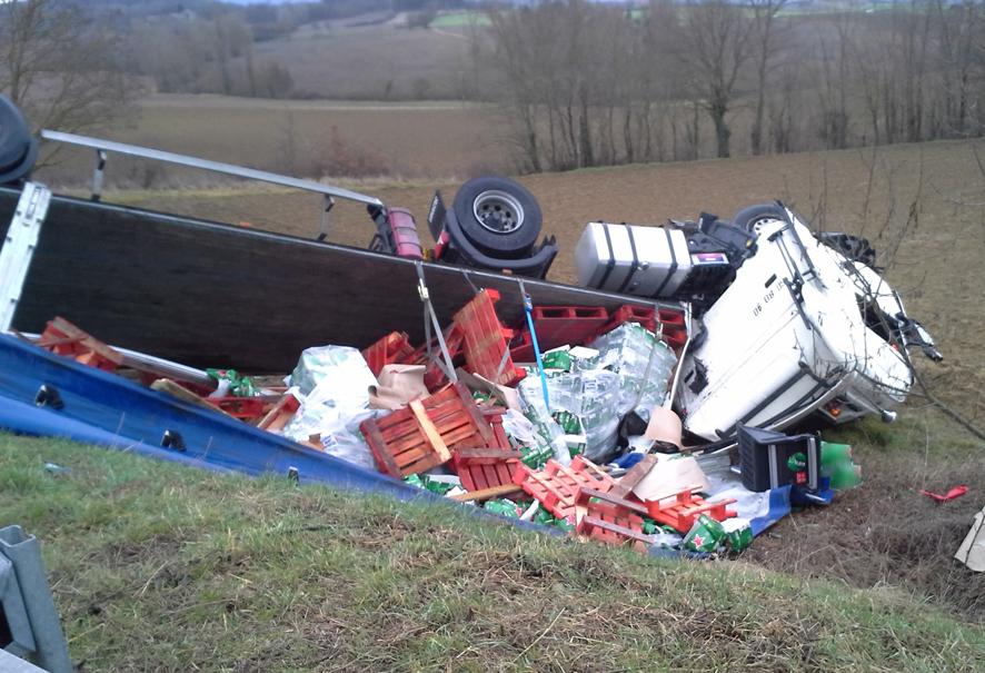 Accident entre un poids-lourd et une voiture à Puylaurens
