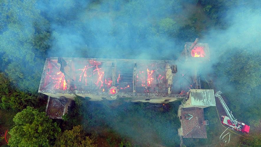 Incendie du château de Lézignac à Graulhet