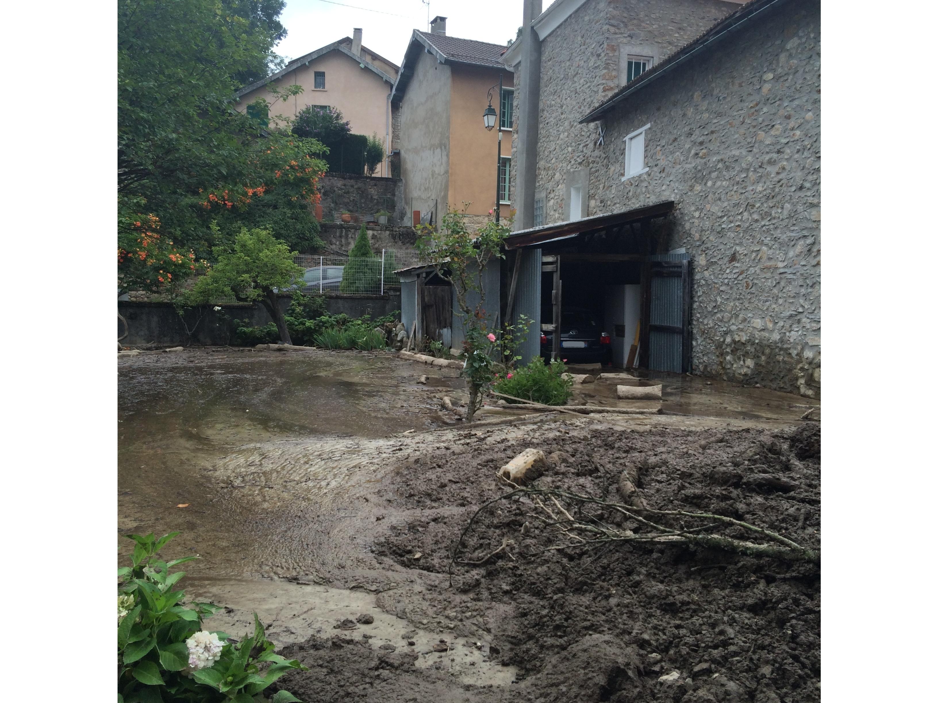 Départ d'une colonne de renfort en Ariège