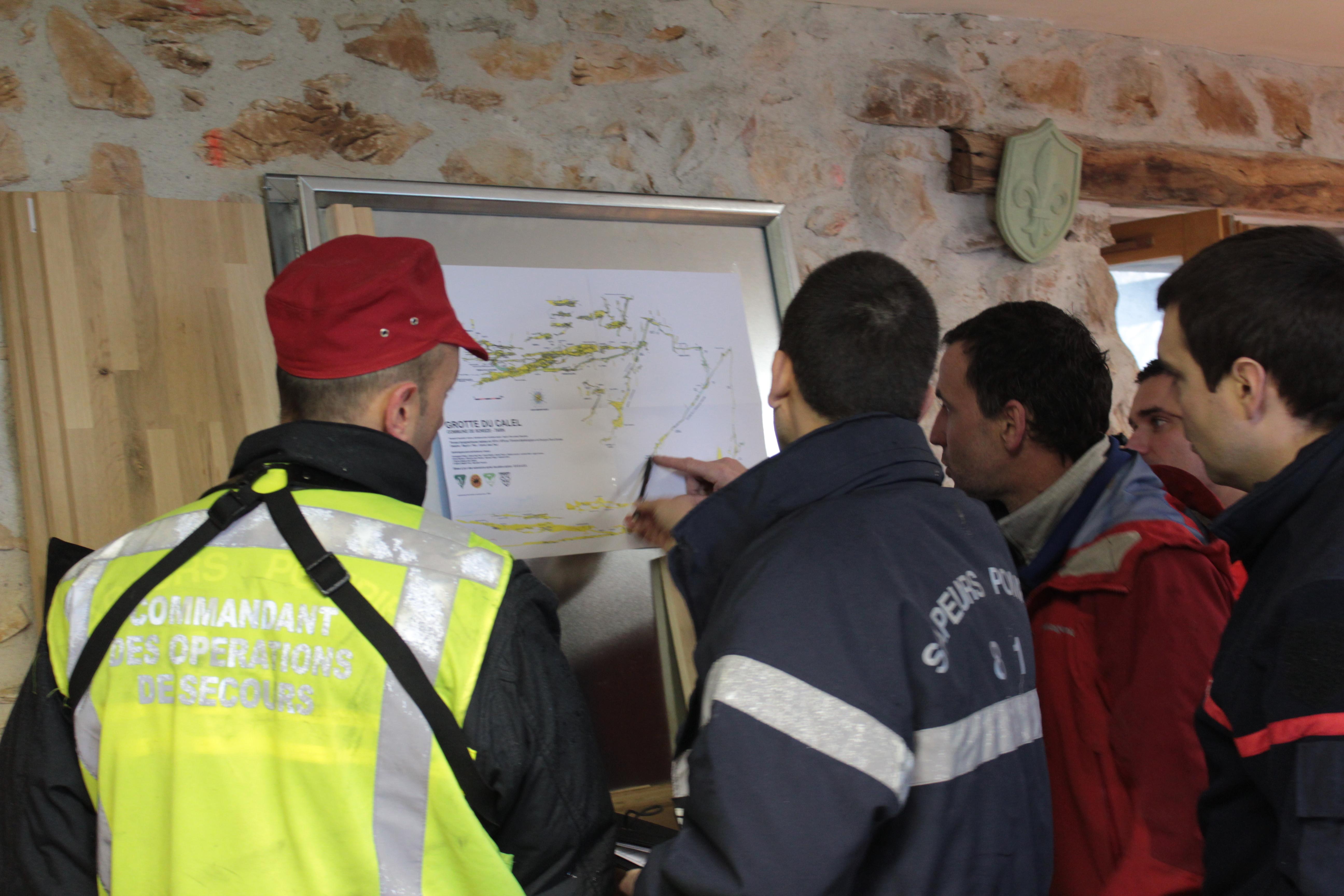 Exercice de secours spéléologique à Sorèze