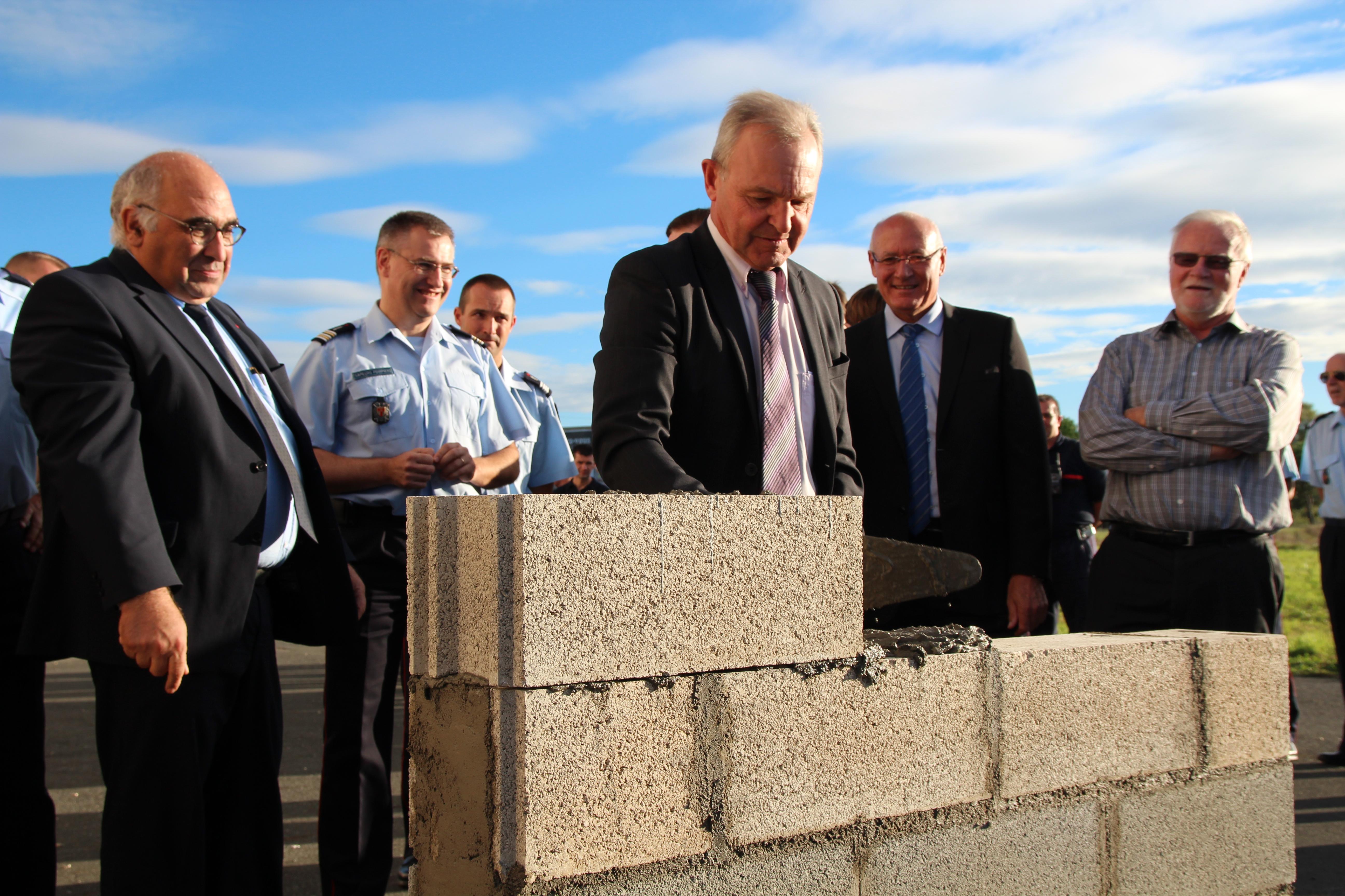 Pose de la première pierre du nouveau centre d'incendie et de secours de Graulhet