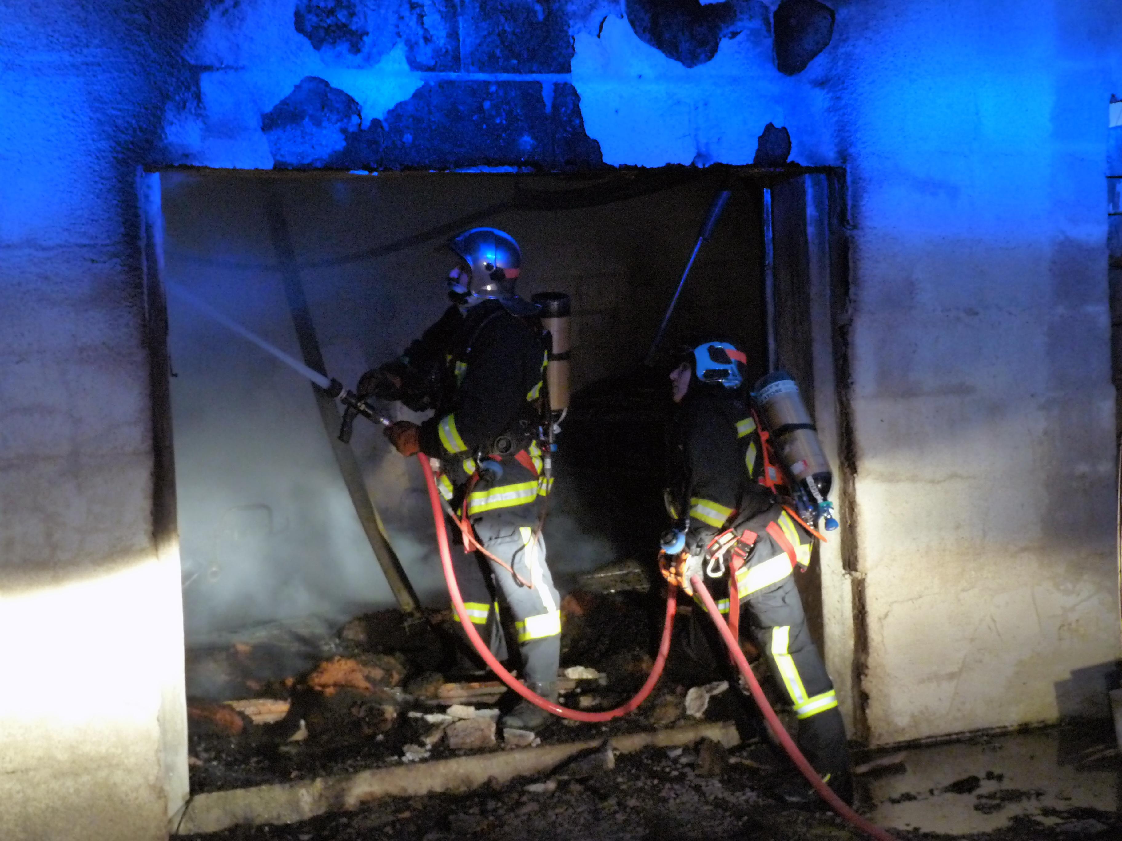 Une maison en rénovation détruite par les flammes
