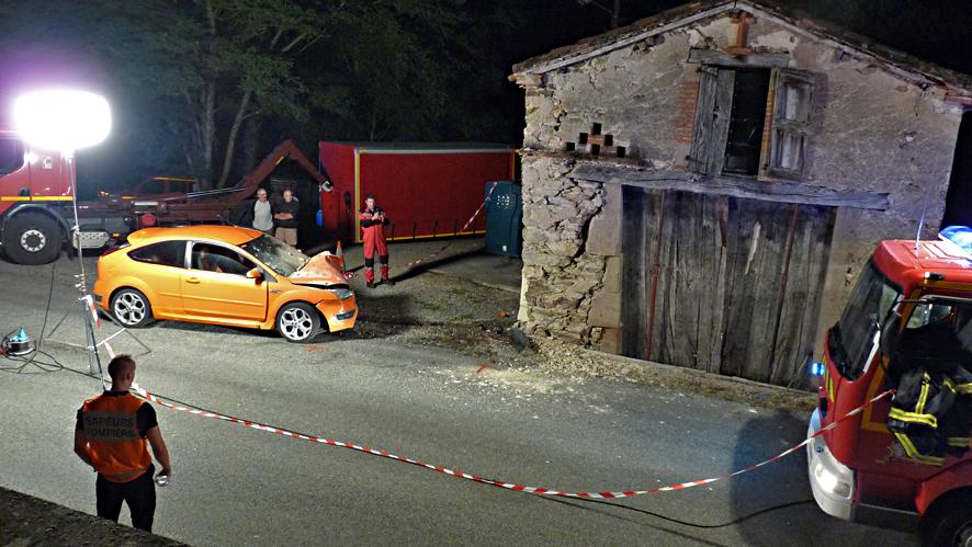 Une voiture s'encastre dans une habitation à Moularès
