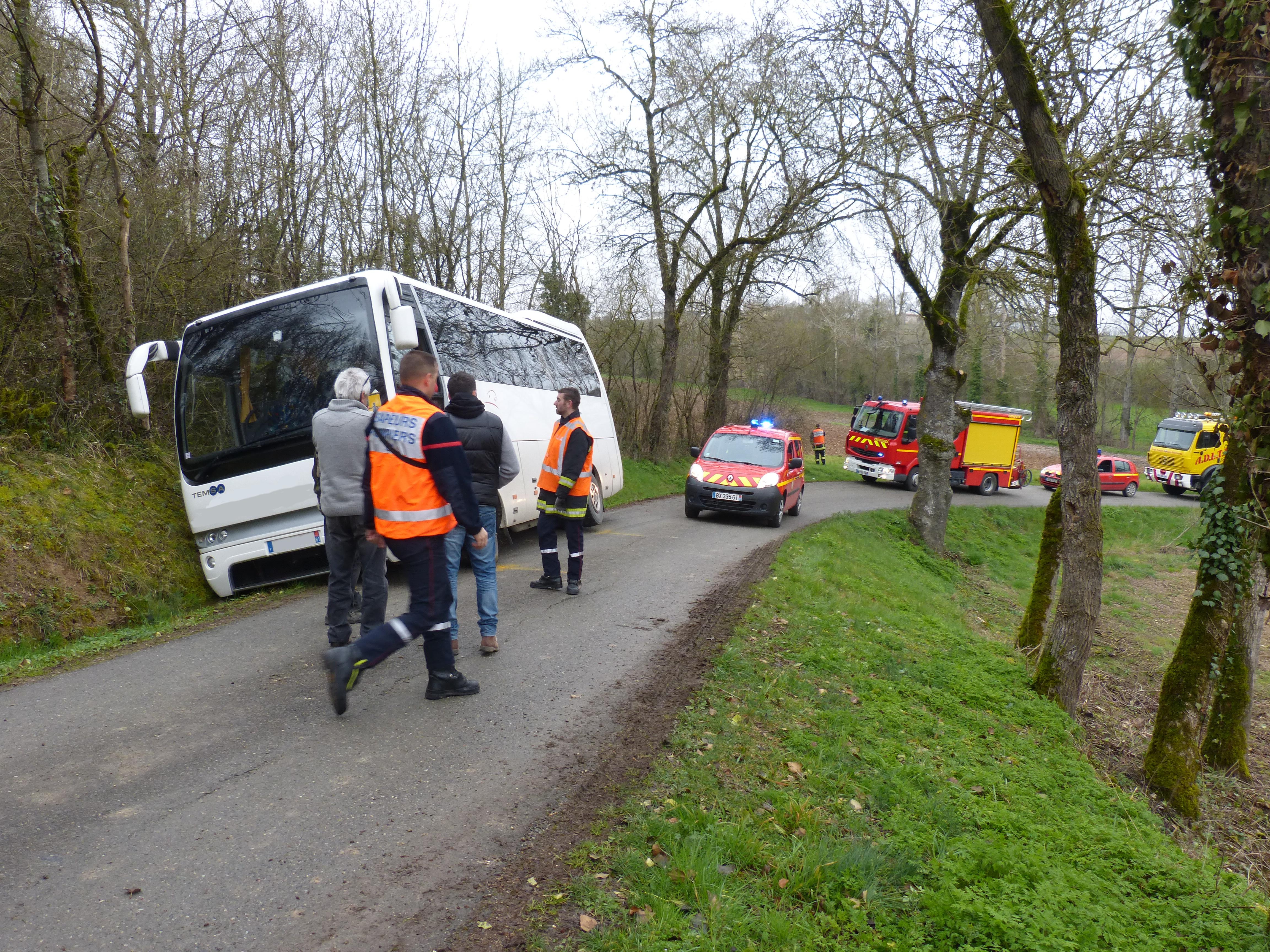Accident d'un bus scolaire sur la commune de Sainte-Croix