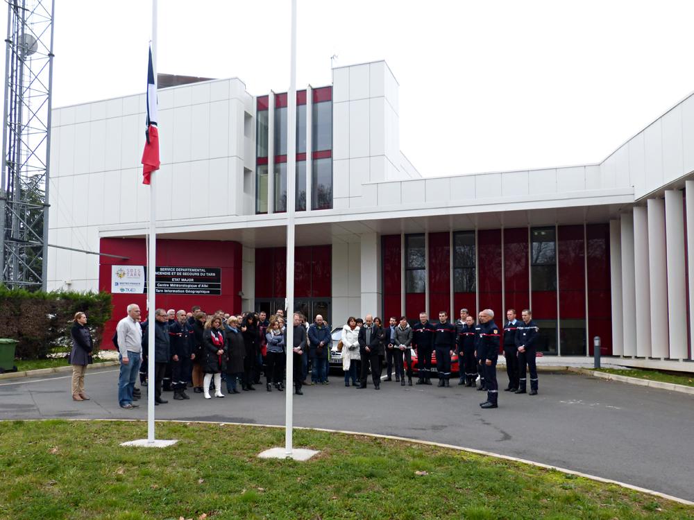 Hommage aux victimes de l'attentat commis à Paris