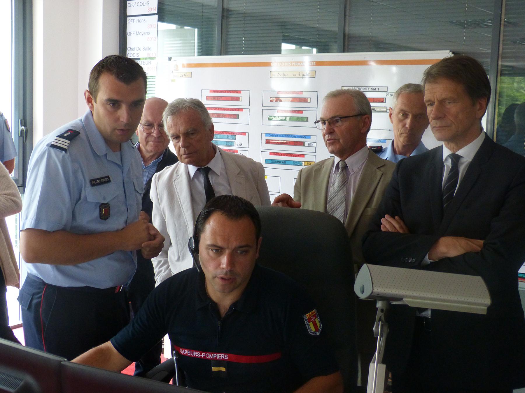 Les sapeurs-pompiers du Tarn présentent la PFLAU au préfet