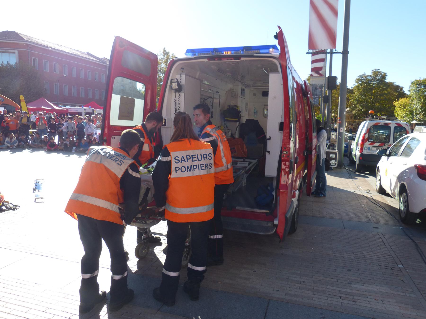 Participation du SDIS au village de la sécurité routière.