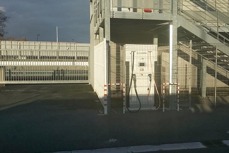 Visite d'une station service à hydrogène tarnaise