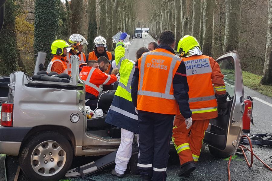 Accident entre deux voitures sur la RD612