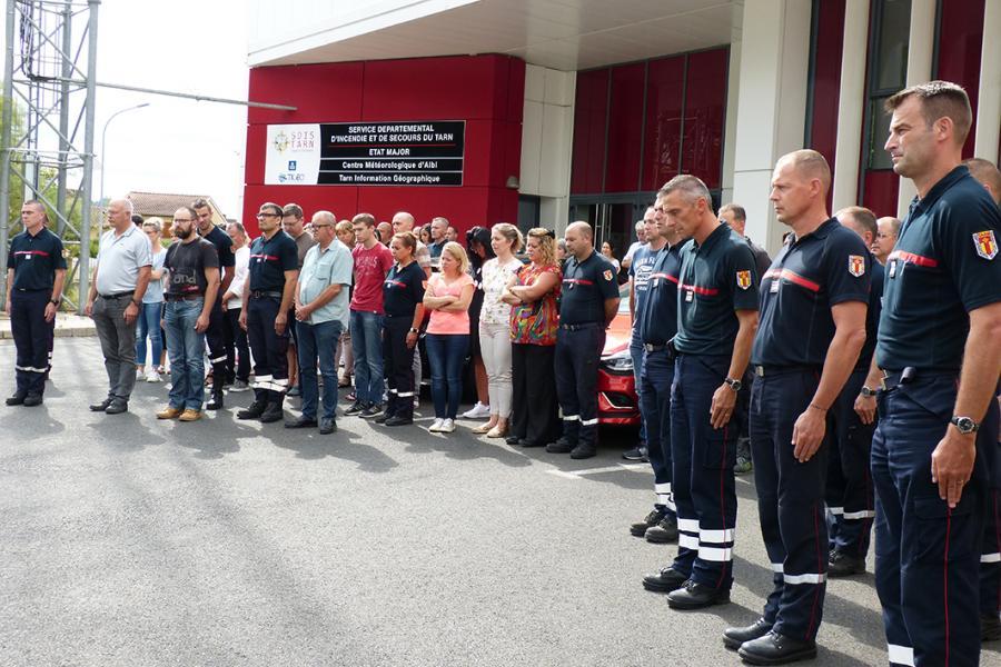 Hommage au 1ère classe Henry de la brigade des sapeurs-pompiers de Paris