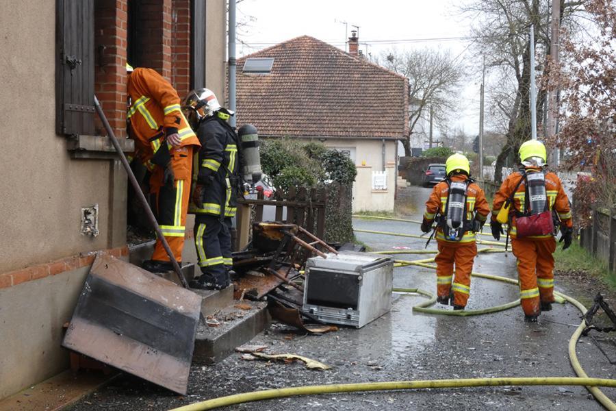 Intervention pour une bouteille de gaz enflammée dans une habitation sur la commune d'Albi