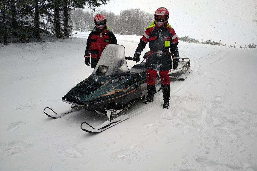 Formation de conduite de la moto-neige du SDIS 81 à Lacaune-les-Bains