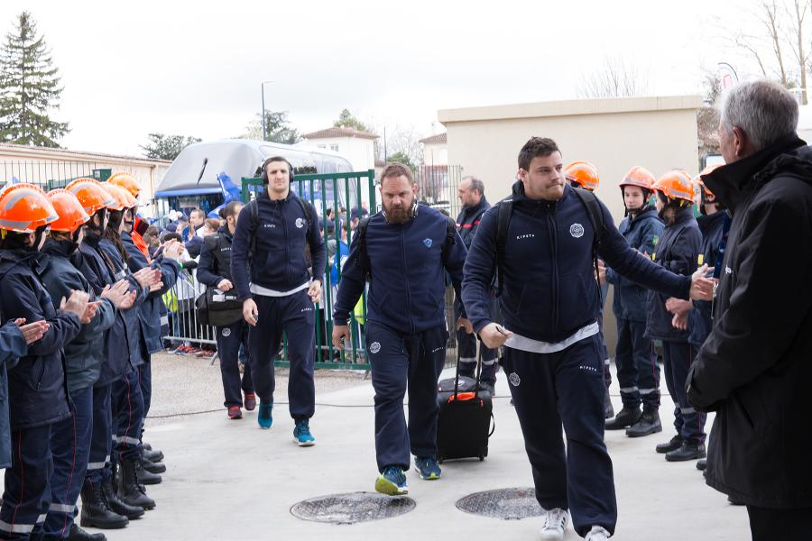 Rencontre entre le Castres Olympique et Brive au profit de l'oeuvre des pupilles