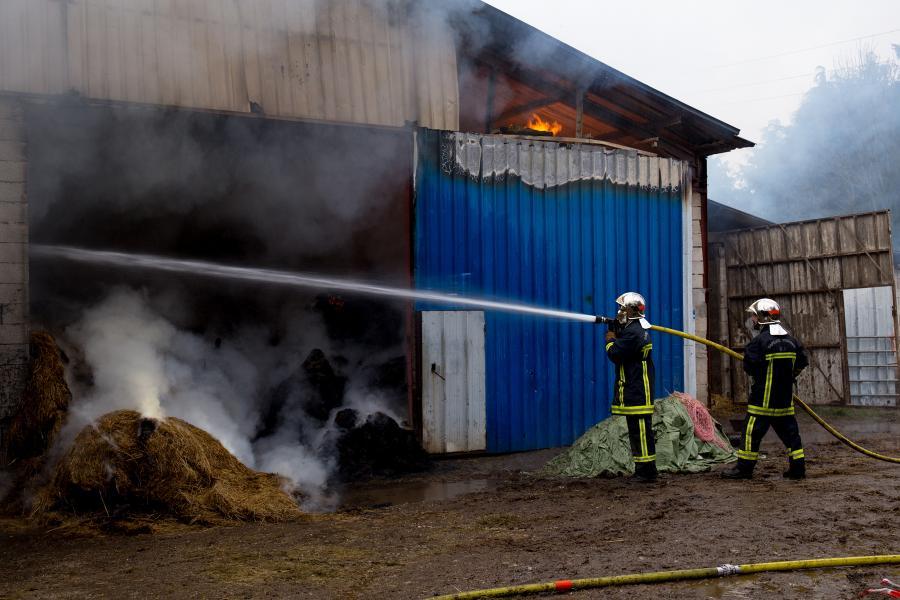 Feu de hangar agricole sur la commune de Arfons