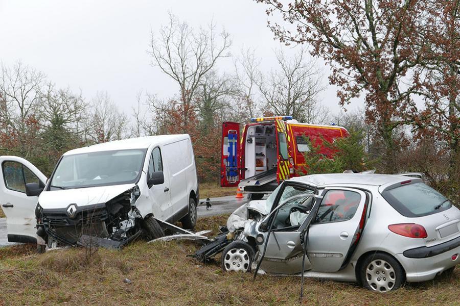 Accident de la route sur la commune de Noailles