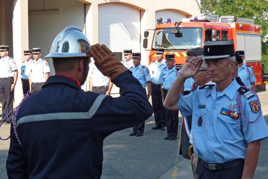 Passation de commandement au centre d'incendie et de secours de Lavaur