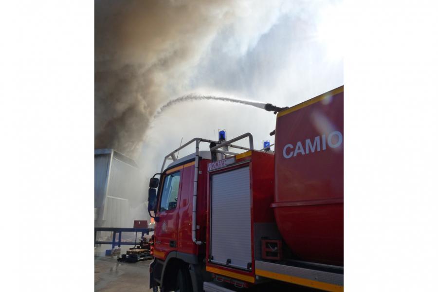 Incendie dans une entreprise de palettes à Gaillac