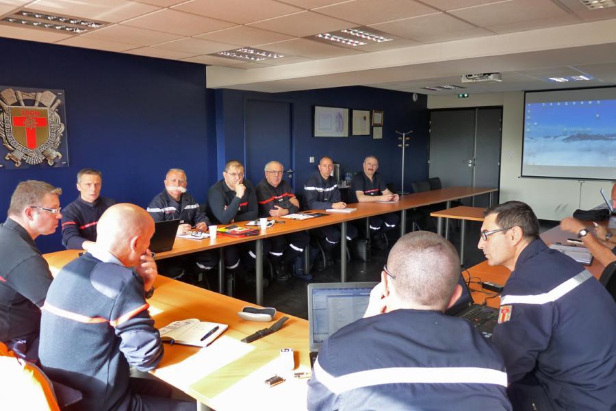 La spécialité Sauvetage-déblaiement en réunion au SDIS du Tarn