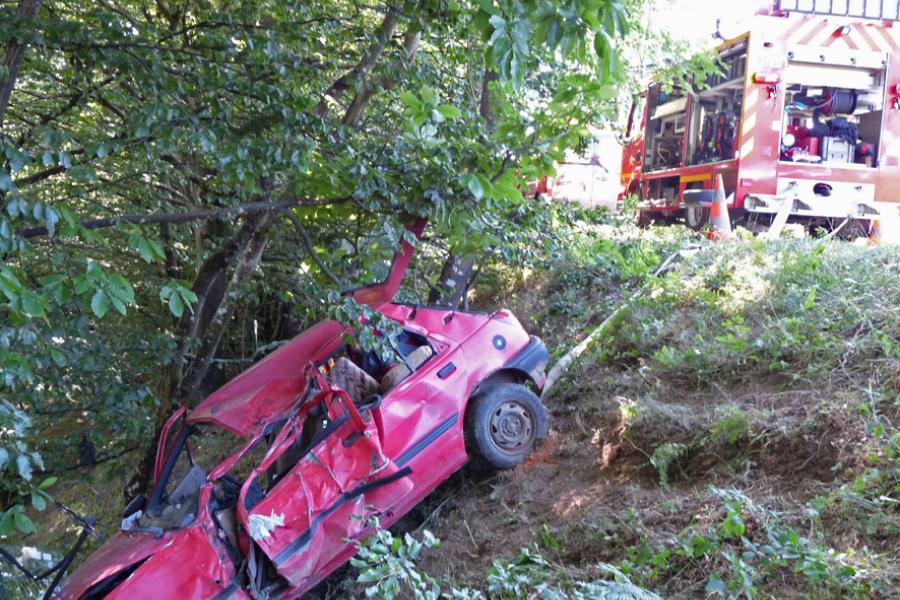 Embardée d'une voiture sur la commune de Lacabarède
