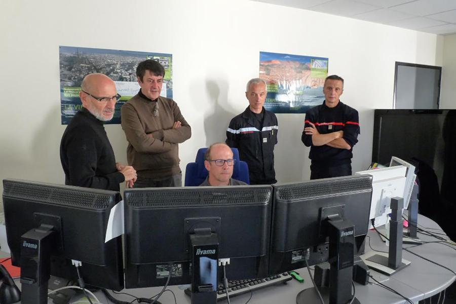 Visite de l'Etat-Major par M.Castex, payeur départemental du Tarn.