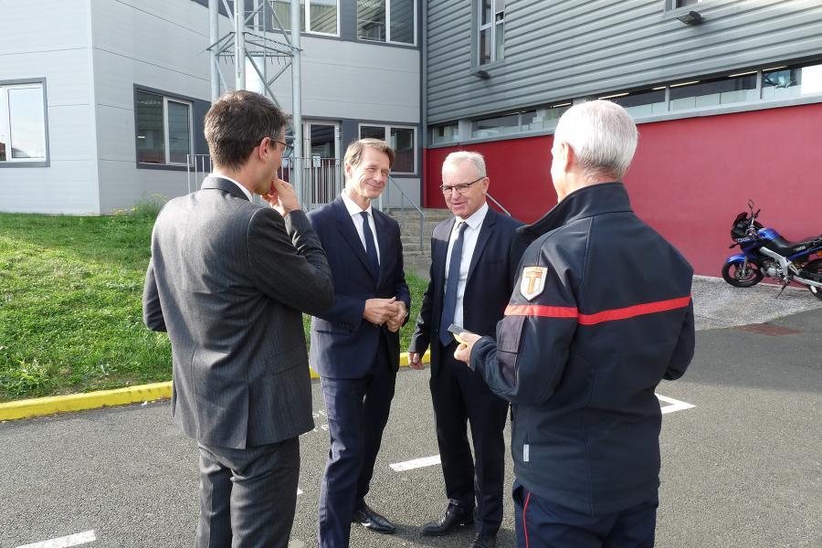 M.le Prefet Jean-Michel Mougard visite le centre de secours principal d'Albi.