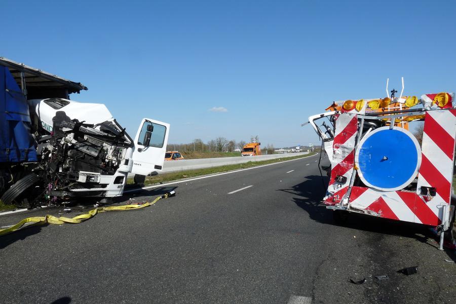 Accident voie publique sur l'autoroute.