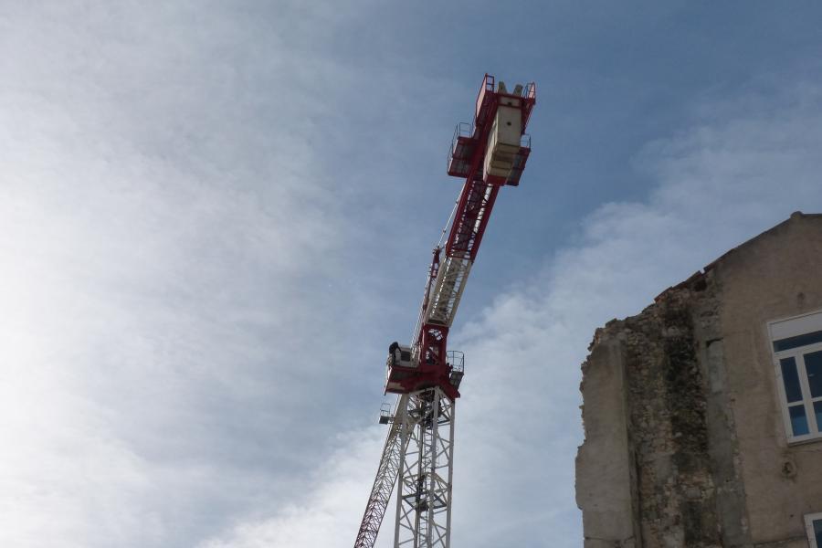 Un homme retranché dans une grue à 45 mètres de haut à Castres